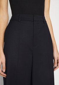 Gestuz - MAGRETHE PANTS  - Trousers - navy - 5