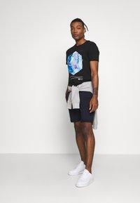 Jack & Jones - JCOPAX TEE CREW NECK SLIM FIT - Print T-shirt - black - 1