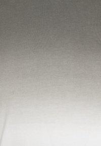 Pier One - Printtipaita - white/grey - 2