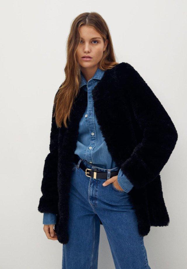 RIHANNA - Winter jacket - svart