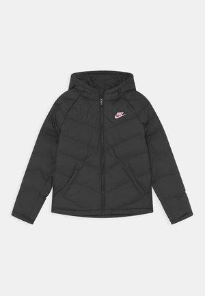 SYNTHETIC FILL UNISEX - Zimní bunda - black/pink foam