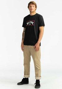 Billabong - ARCH  - Print T-shirt - black - 1
