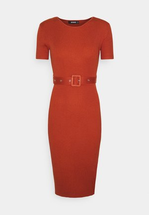 SELF BELT MIDAXI DRESS - Jumper dress - rust