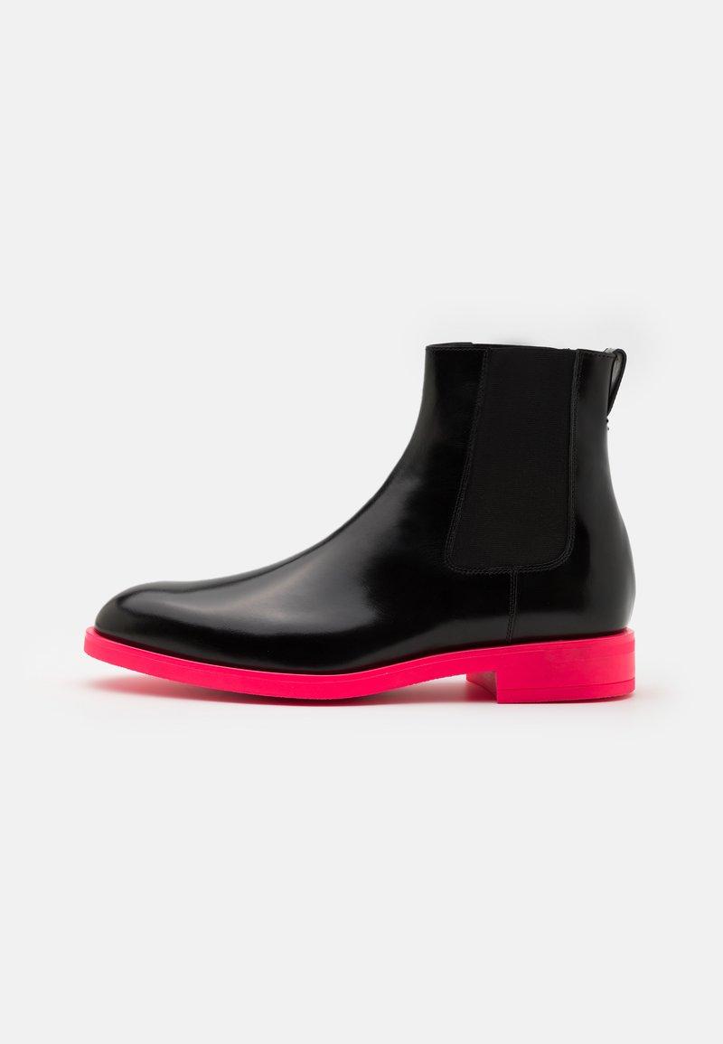 Paul Smith - CANON - Kotníkové boty - black/pink