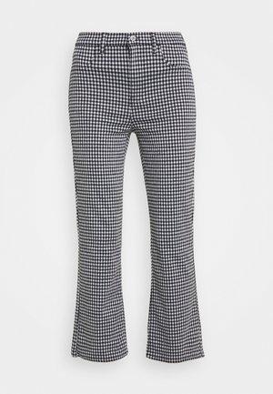 SKINNY KICK CROP - Trousers - black