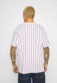 Karl Kani - SMALL SIGNATURE UNISEX  - T-shirt con stampa - white - 2