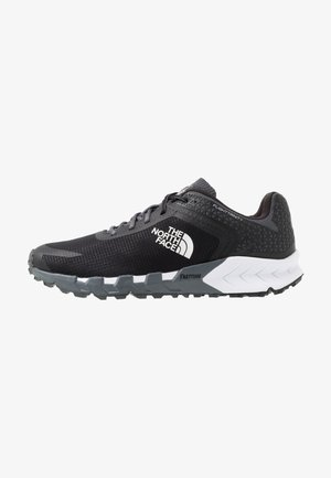 FLIGHT TRINITY - Laufschuh Trail - dark shadow grey/black