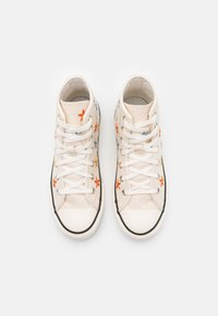 Converse - CHUCK TAYLOR ALL STAR - High-top trainers - natural ivory/egret/black - 3