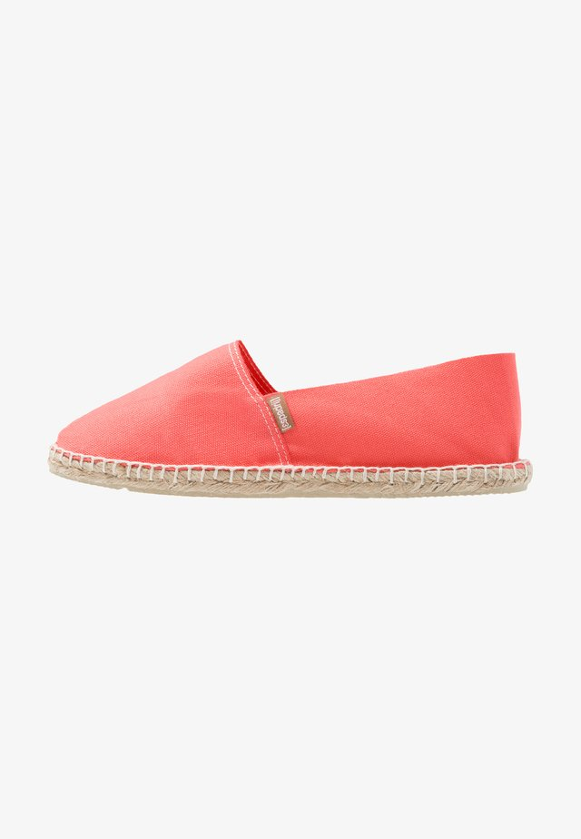 CLASSIC - Espadryle - coral