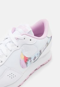 Nike Sportswear - VALIANT - Trainers - white/light arctic pink - 5