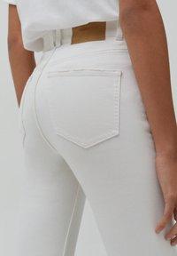 PULL&BEAR - Slim fit jeans - white - 4