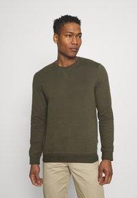 edc by Esprit - Sweatshirt - dark green - 0