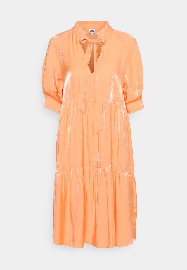 HOLLY DRESS - Day dress - peach