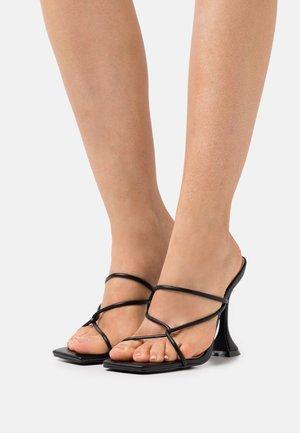 ENSLEY - Pantolette hoch - black