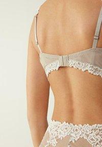 Intimissimi - DANIELA  - Balconette bra - -i - powder beige/cream white - 1