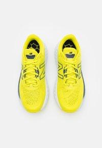 New Balance - EVOZ - Nøytrale løpesko - sulphur yellow - 3