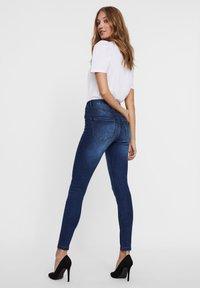 Vero Moda - Jeans Skinny Fit - dark blue denim - 3