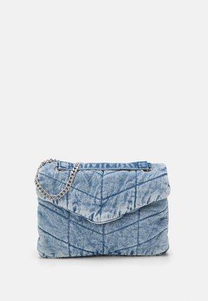 CROSSBODY BAG CHUCK M - Across body bag - blue