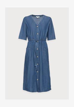 ESTHER TIE WAIST DRESS - Denim dress - chambray blue