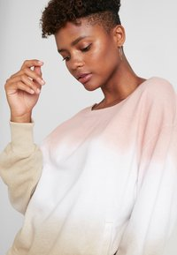 Hollister Co. - OVERSIZED CREW - Sweatshirt - pink ombre - 3
