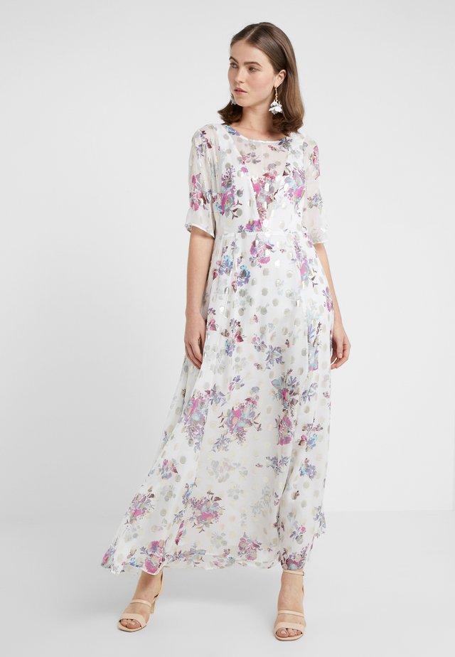 PAMIR - Vestido largo - white pattern