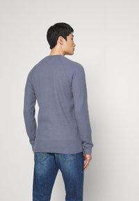 Abercrombie & Fitch - WAFFLE HENLEY - Camiseta de manga larga - blue - 2