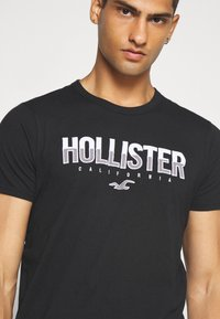 Hollister Co. - NON SOLID SOLIDS - Print T-shirt - black - 4