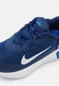 Nike Sportswear - REPOSTO UNISEX - Tenisky - blue void/white/signal blue/black - 5