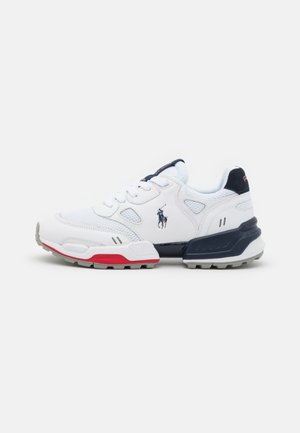 Trainers - white/newport navy