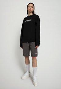 Napapijri - B-BOX CREW - Sweater - black - 1