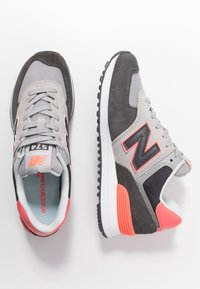 New Balance - WL574 - Sneakers - black/pink - 3