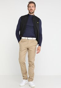 Lyle & Scott - TROUSER - Chinos - dark sand - 1
