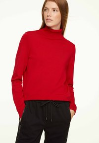 comma casual identity - MIT ROLLKRAGEN - Jumper - scarlet red - 0