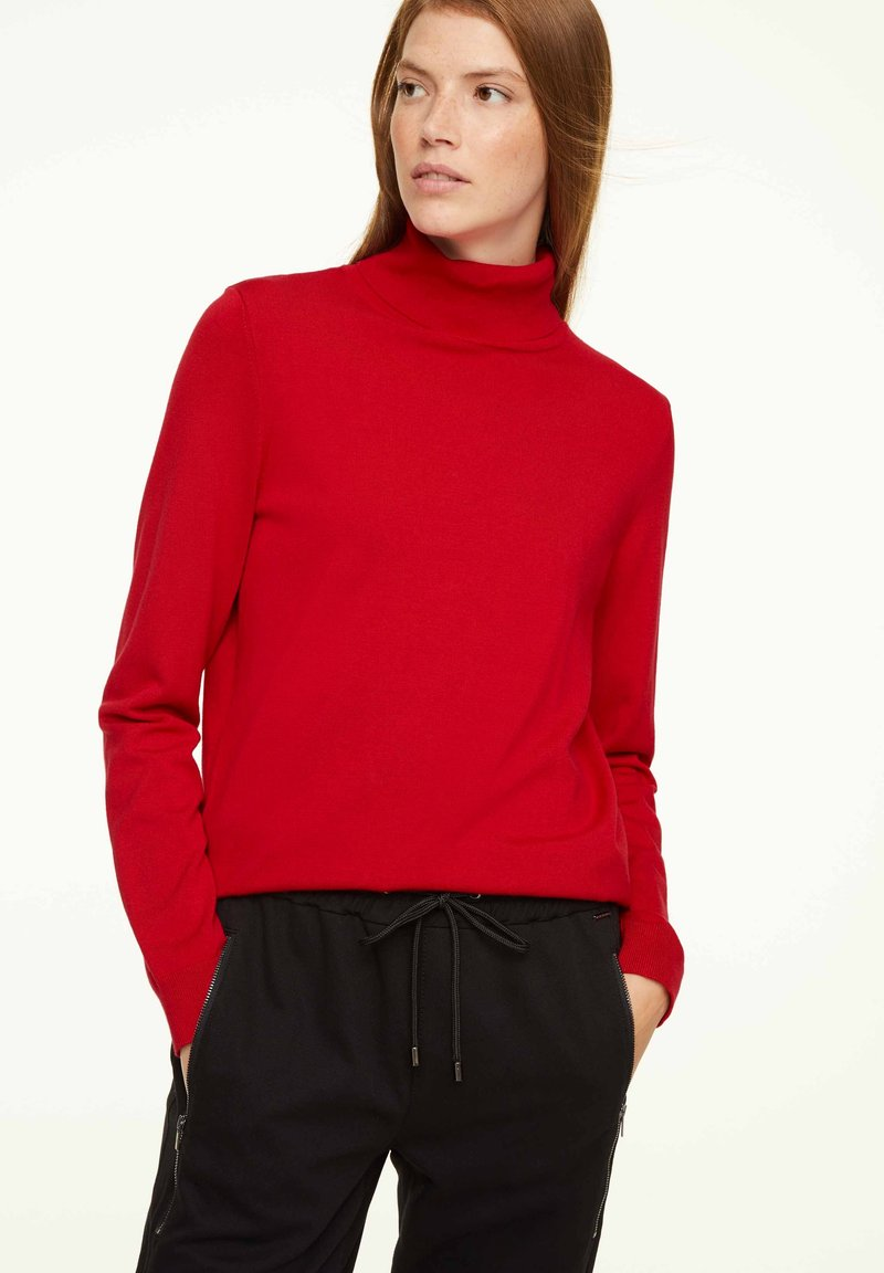 comma casual identity - MIT ROLLKRAGEN - Jumper - scarlet red