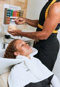 KÉRASTASE - CURL MANIFESTO MASQUE BEURRE HAUTE NUTRITION - Masque pour les cheveux - - - 5