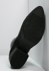 Vagabond - MARJA  - Kotníkové boty - black - 4