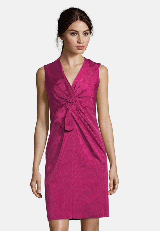 Shift dress - berry pink