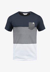 Solid - Print T-shirt - light gray - 3