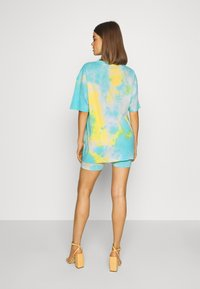 Missguided - COORD AND CYCLE TIE DYE SET - Shorts - blue - 2