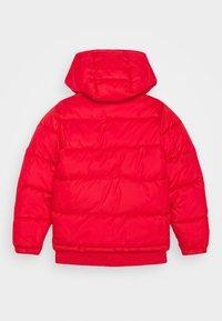 BOSS Kidswear - PUFFER JACKET - Chaqueta de invierno - red - 1