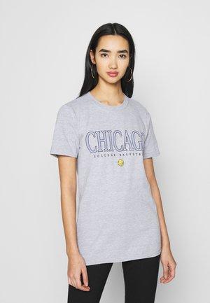 CHICAGO BASKETBALL GRAPHIC TEE - Print T-shirt - grey