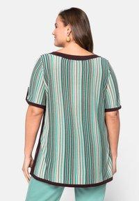 Sheego - Print T-shirt - green - 2