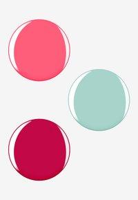 Essie - MINI TRIO SET WATERMELON - Nagelverzorgingsset - 27 watermelon/73 cute as a button/99mint candy apple - 1