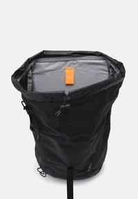 Deuter - AC LITE 24 UNISEX - Backpack - black/graphite - 2