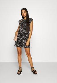 ONLY - ONLPERNILLE SHOULDER DRESS - Jerseyklänning - black - 1