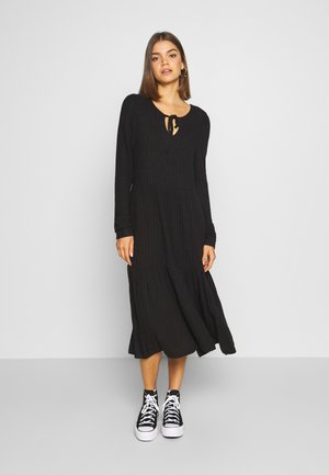 NMINDIGO DRESS - Abito in maglia - black