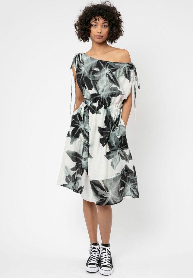 SAGITTARIUS - Robe d'été - breeze print