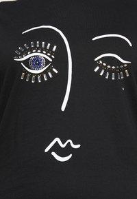 New Look Curves - BLING EYELASH - Print T-shirt - black - 5