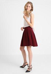mint&berry - A-line skirt - bordeaux - 1