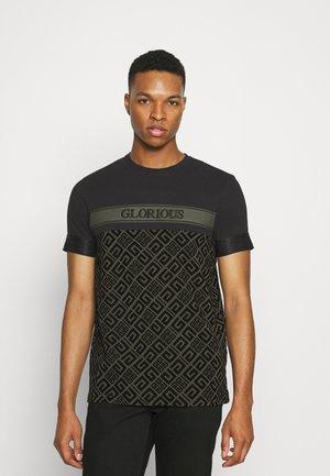 AXEL  - Print T-shirt - black/khaki